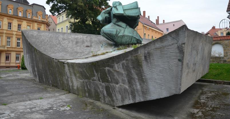 Pomnikowi pozostał miesiąc – likwidacja przesądzona
