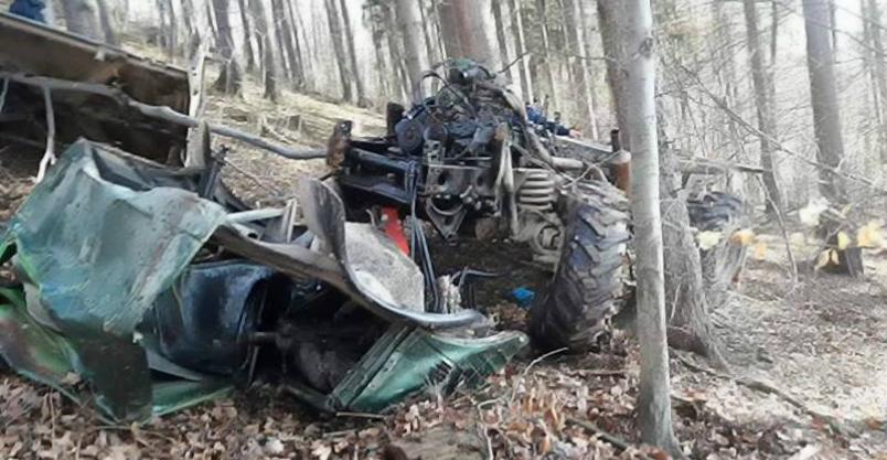Mężczyznę zmiażdżyła maszyna leśna. Zabrał go helikopter