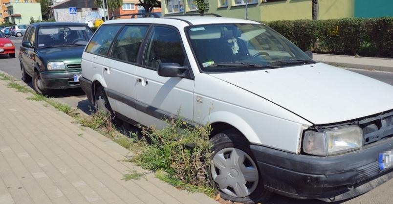 """Wraki pojazdów nadal """"straszą"""" w Złotoryi"""