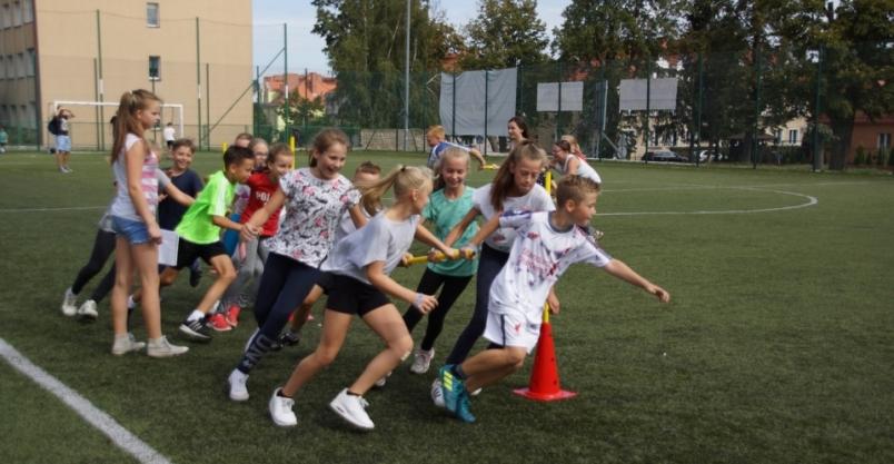Sportowa impreza połączyła pokolenia