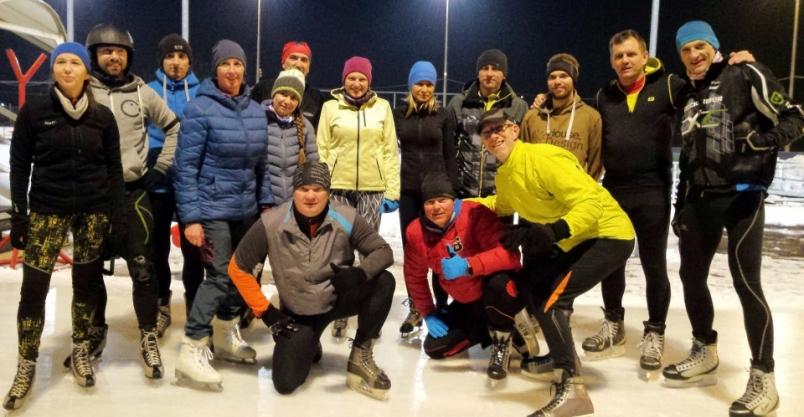 Olawsowicze pomknęli na łyżwach