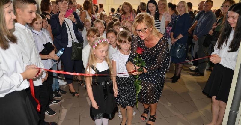"""W """"jedynce"""" inauguracja z nagrodami i różami (FOTO)"""