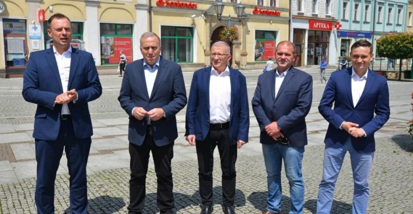 Kampania wyborcza w centrum miasta. Schetyna przekonywał do głosowania na Trzaskowskiego
