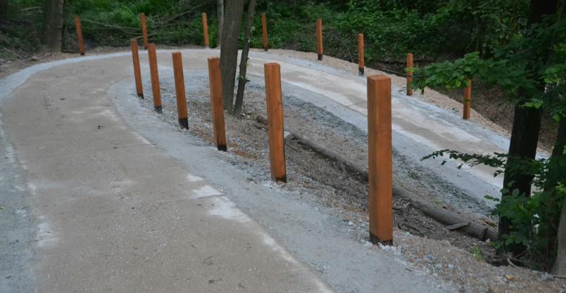 Beton miejscami jeszcze miękki – zakaz spacerów i przejażdżek!