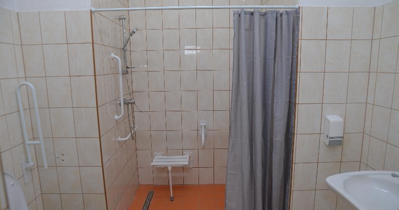 Szalet miejski z prysznicem – dla bezdomnych
