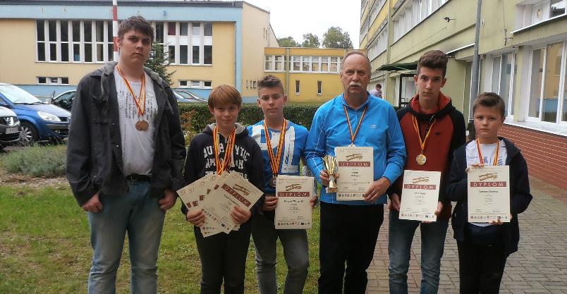 Od lewej: Jakub Hami, Karol Tyszkiewicz, Kacper Wilczyński, Stanisław Zawadzki, Piotr Golik i Tomasz Słonina